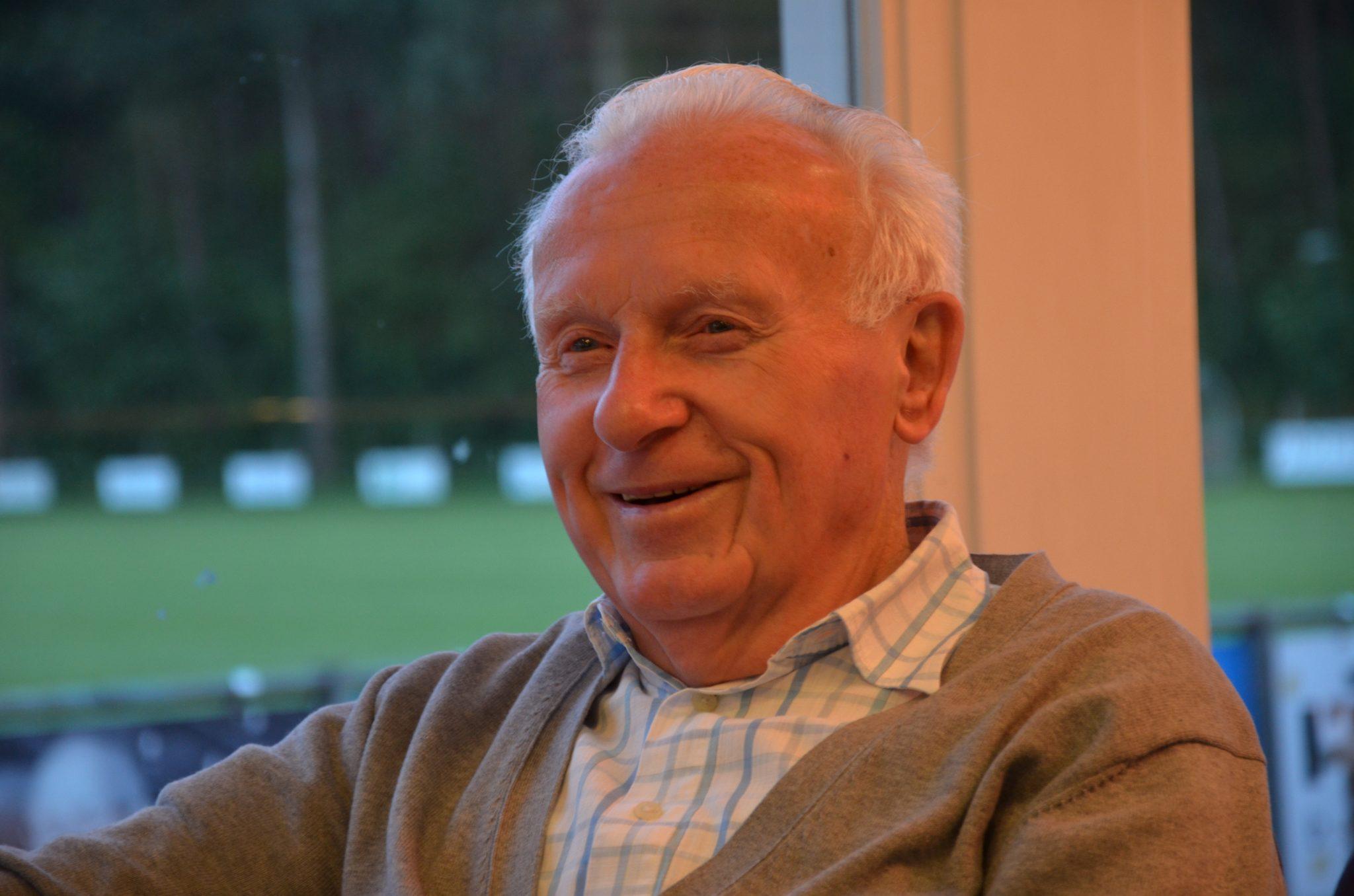 Platina jubileum Frans van Herk bij Voetbalvereniging Riethoven